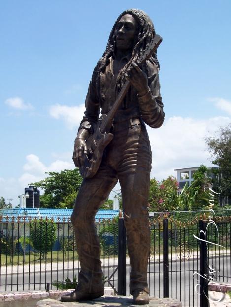 Bob Marley statue.