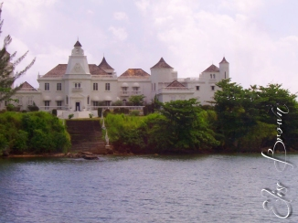 Mansion on the coast that can be rented for a cool million a night.
