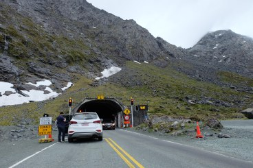 homer-tunnel-on-te-anau-side